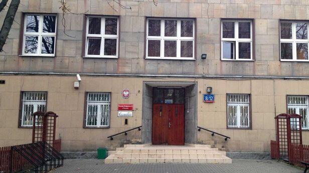 Gimnazjum na Twardej tvnwarszawa.pl