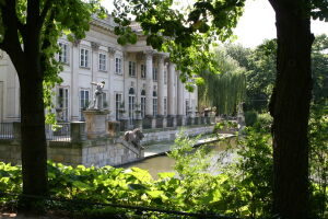 Najpopularniejsze stołeczne zabytki: Łazienki i Pałac Kultury