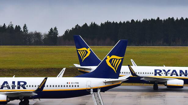 Ryanair zniknie z warszawskiego lotniska Shutterstock