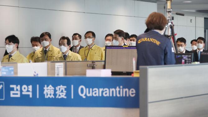 Ostrzeżenia przed drugą falą zakażeń w Azji