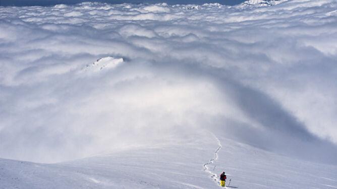 """Gra chmur"" nad Teheranem"